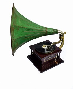Old Gramophone with green painted horn, c. 1915, wooden case
