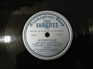 Beatrice Lillie - Snoops The Lawyer, Varieties